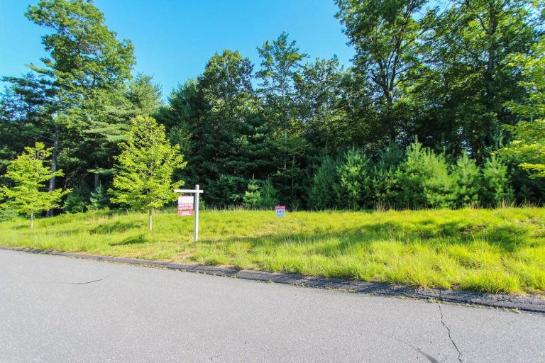 Lot 2 at Garrett Ridge Court in New Hartford, CT